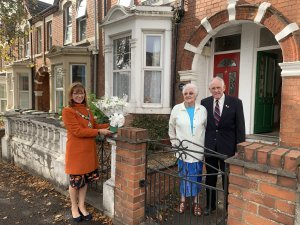 Mayor visits John and Betty Shooter on 60th Wedding Anniversary